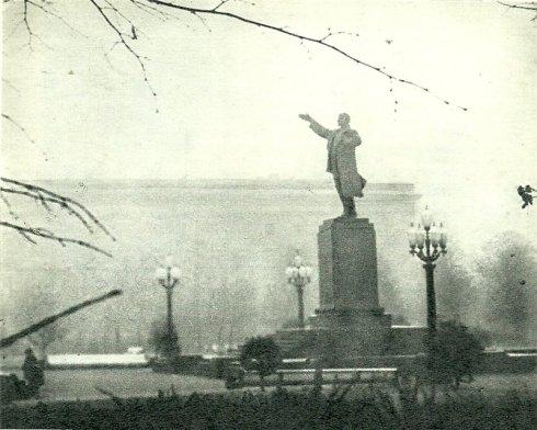 Leninas Lukiškėse